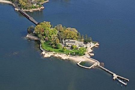 居外 顶级豪宅  在山中或私人小岛上购置家园是许多美国人的梦想,但如