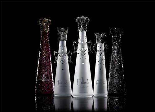全球最奢华矿泉水fillico的昂贵之处在于瓶身的霜花