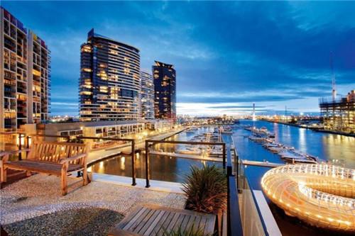 投资澳洲最负盛名海滨发展地 墨尔本滨海港区华丽公寓