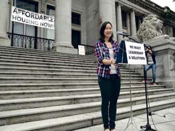 """华裔领头抗议加拿大高房价 政府回应""""投机税""""或将实行"""