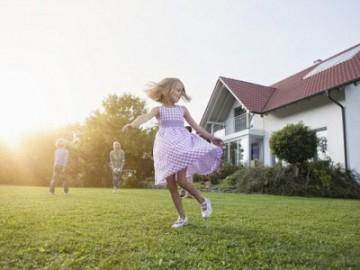 只为给娃一个后院 昆士兰夫妇380万澳元买邻房为推倒