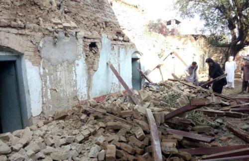 巴基斯坦地震多地震感强烈 大量房屋倒塌破损
