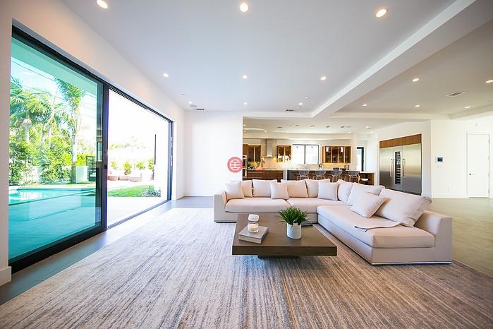 比弗利山豪华三层式豪宅:细节考究设计高端,环境优越名流云集