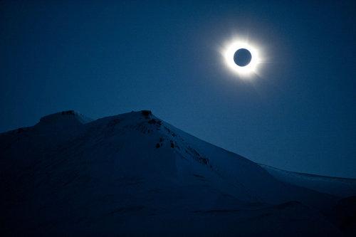 全球日月食奇观 特殊天象展现半影月食
