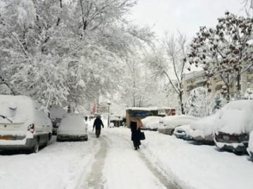 阿富汗大雪天气 多地交通中断多人受伤-热点