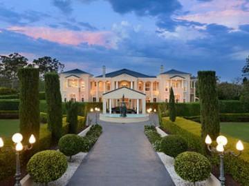 布里斯班钱德勒华丽豪宅:独享花园环境,彰显非凡品位 | 澳洲