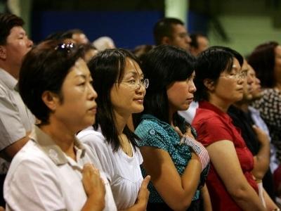 美国政府数据显示,近年来申请入籍的外国人中,亚洲人比例最高