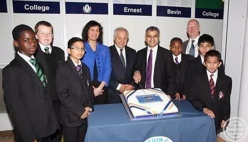 伦敦市长Khan中学念的是名人辈出的Ernest Bevin College