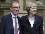 英首相夫妇秀恩爱 一见钟情相互付出-热点