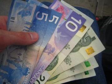 加元疯狂贬值的因与果   加拿大