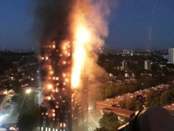 伦敦西部公寓大火 大楼被灰覆盖损失惨重-热点