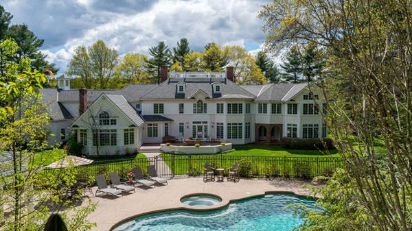 著名学区波士顿dover顶级豪宅:花园环境美不胜收,非凡