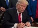 特朗普签对俄法案 称是为了美国的团结-热点