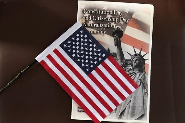 美国移民局(USCIS)发布公告,全面恢复属於2018财年名额内的H-1B加急申请