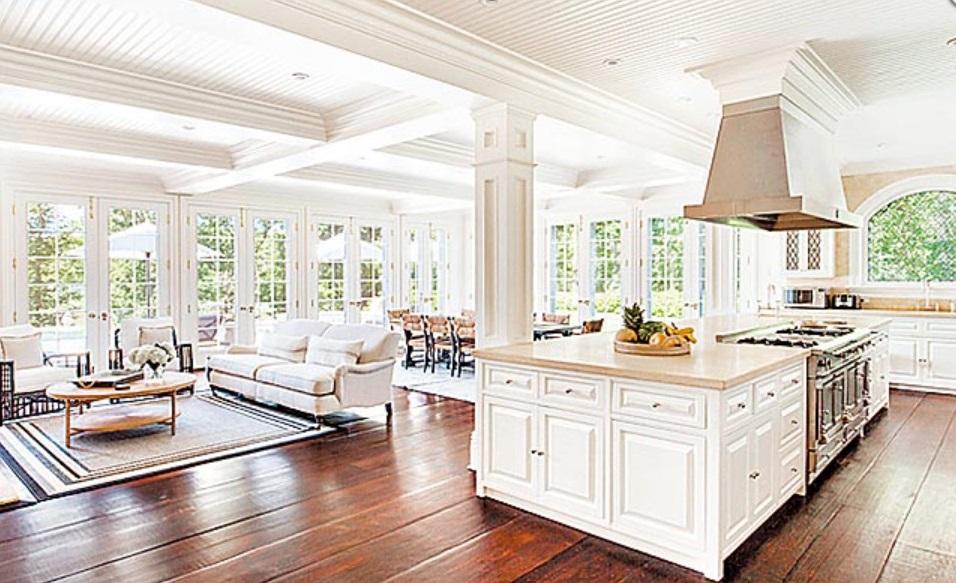 开放空间:餐厅与厨房采开放式空间,厨房的中岛设计用大理石台面提升质感