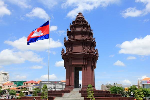 纪念柬埔寨独立的独立纪念碑,是金边的着名地标,也是必去的旅游景点之