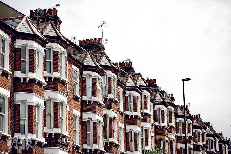 """""""脱欧""""前景的不确定因素令银行家聚居的伦敦豪宅区首当其冲,伦敦多地区楼价按年录得下跌"""