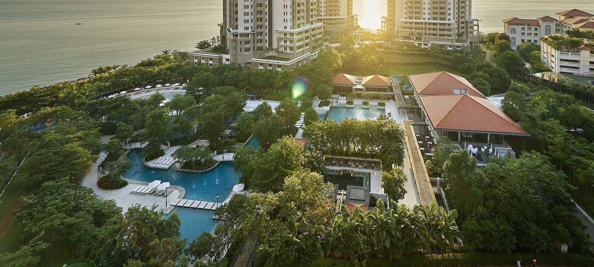 由E&O开发的18 East at Andaman高级海景公寓项目自设占地4.5英亩的水上乐园