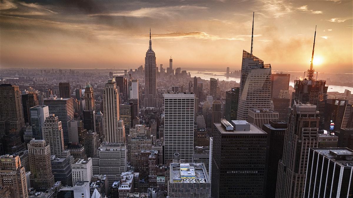"""《全球城市竞争力报告2017-2018》纽约同时在""""城市经济竞争力""""和""""城市可持续竞争力""""两项指标中称霸"""