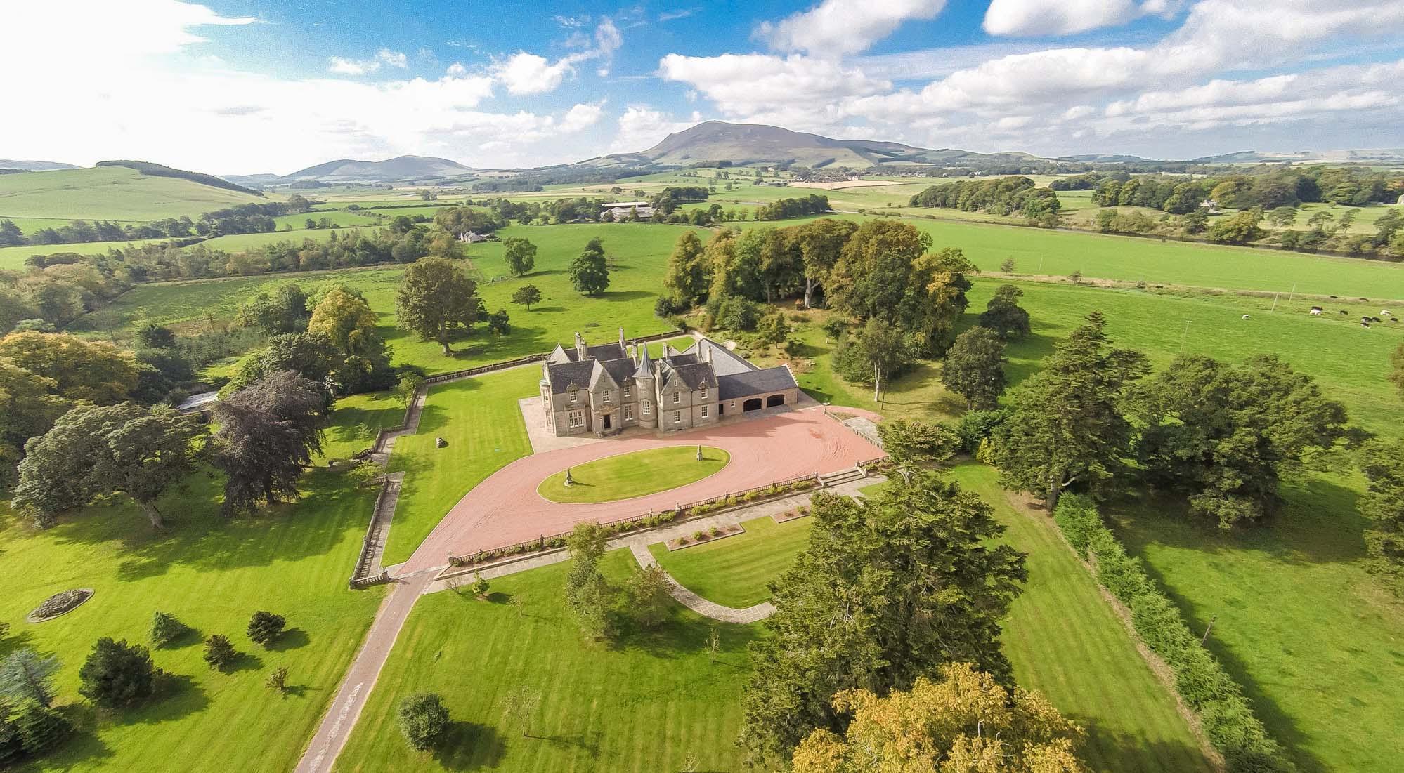 英国苏格兰乡村比加(Biggar)自然风景优美,是一个纯粹的田园牧歌之地