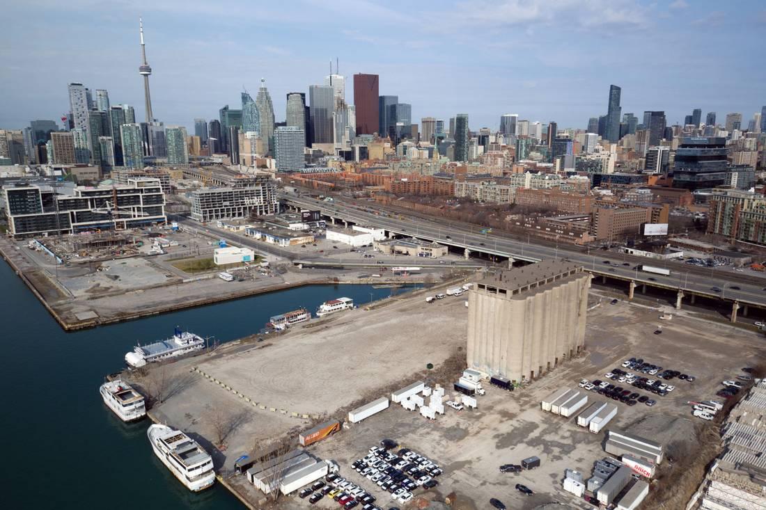 多伦多海滨地区现在的鸟瞰图