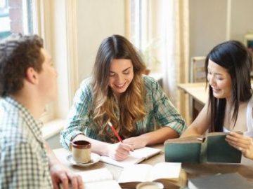 英国新增23所高校放宽留学生签证 吸引国际人才 | 英国