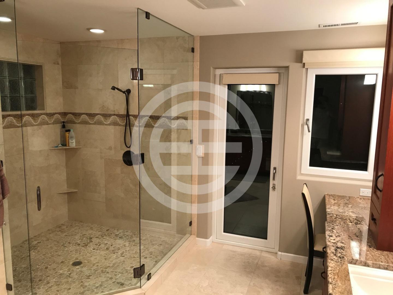 主浴室的装修豪华舒适