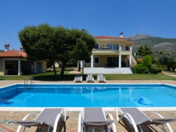 享受浪漫惬意的海边生活,顺手拿走希腊黄金签证 | 希腊