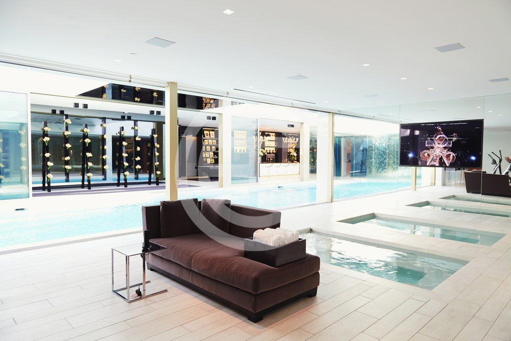 Opus别墅的水疗按摩浴池