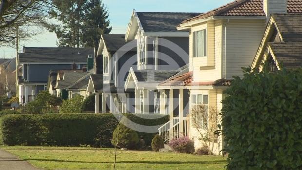 1月1日起加拿大房贷新政正式生效,要求无保险贷款购房民众需证明在利率上涨的情况下仍有能力偿付贷款