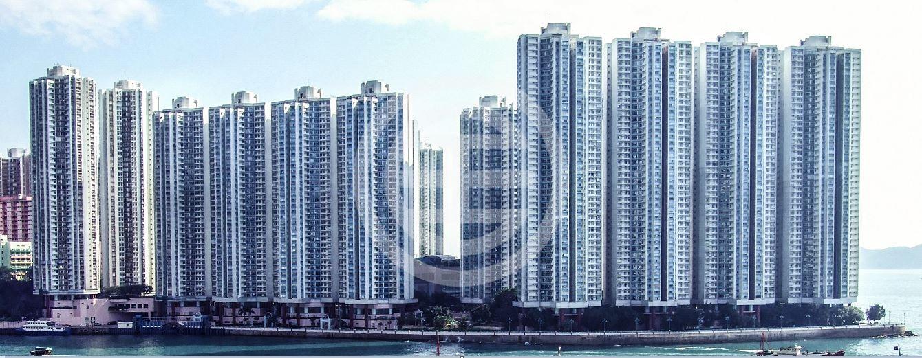 鸭脷洲西部的大型私人屋苑海怡半岛