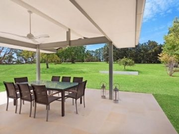 中央海岸索姆斯比乡郊住宅,开阔牧场圆你的田园梦 | 澳洲