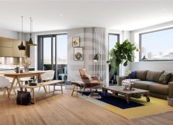 这间三卧室公寓享有美妙的水景,非常适合河畔生活。开放式起居区设有落地窗和私人双面阳台,提供充足的自然光线。(物业编号:37687407)