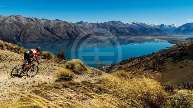 新西兰的农场和乡村地产(lifestyle blocks,又称业馀农场),特别是在皇后镇盆地,已经成为超富裕人群的首选U乐国际娱乐
