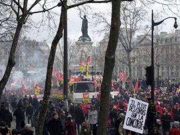 法国罢工抗议 虚线式罢工导致交通不便-热点