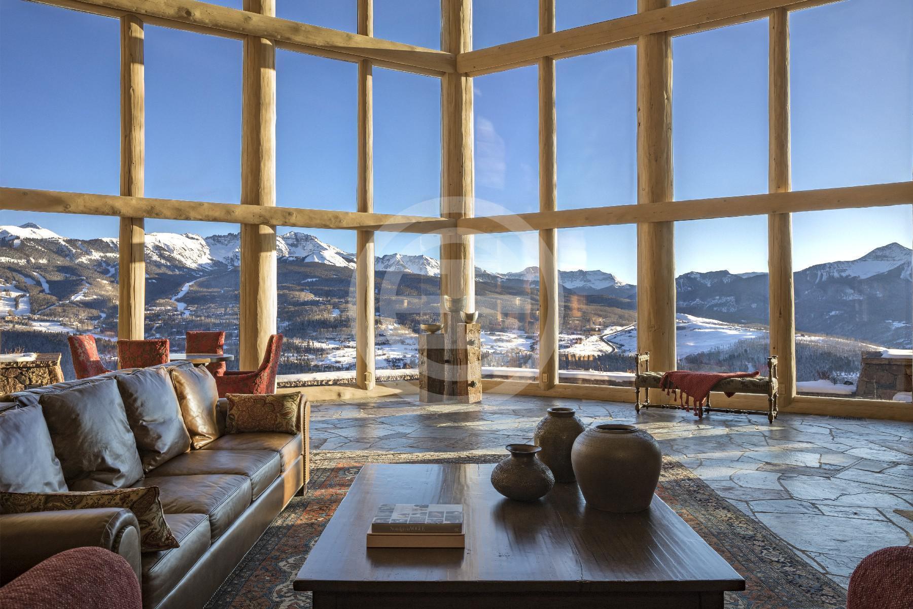 """科罗拉多州特柳赖德(Telluride, Colorado)豪宅销量年均增加了37%。图为居外房源""""海角""""(编号:37775799),这座近12英亩公园般的庄园提供了最稀有的自然美景,永恒的建筑,无尽的景色,并便捷进入城镇和特柳赖德机场。被美国广播公司评为""""美国最佳景观的豪宅""""之一。"""