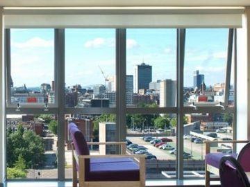 如何U乐国际娱乐英国学生住房,以购房出租实现高回报?