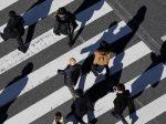 日本政府继续引进外国劳动力 在日华人就业机会增多