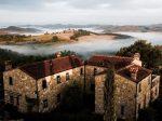 意大利托斯卡纳历史文化遗产——可创收有机农场和修道院改建豪宅罕有出售
