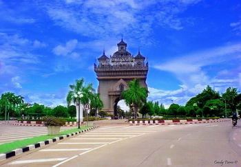 """老挝""""万象新世界""""50豪华别墅供亚欧领袖下榻"""