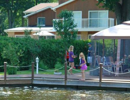 秋季买房 投资湖畔度假屋