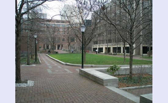 美国留学快来看 排名最前的10所商学院