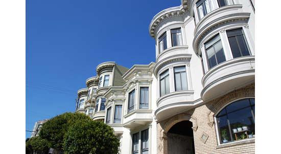 美国湾区就业市场热 买租房都将更困难