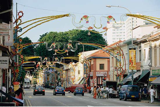 四地华人调查:新加坡社会最进步 本地华人满意度提高!