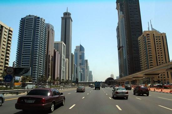 中国富豪扎堆去迪拜买房 一年投资近40亿港元