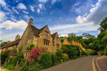 据《每日邮报》报道,根据官方数据,在过去12个月里,赖代尔(Ryedale)区的楼价下降了0.4%,而英国平均房价却上升了6%