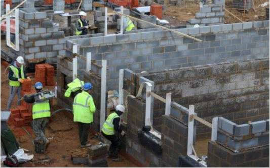 英国建筑业工人短缺 每年需雇40万人   英国