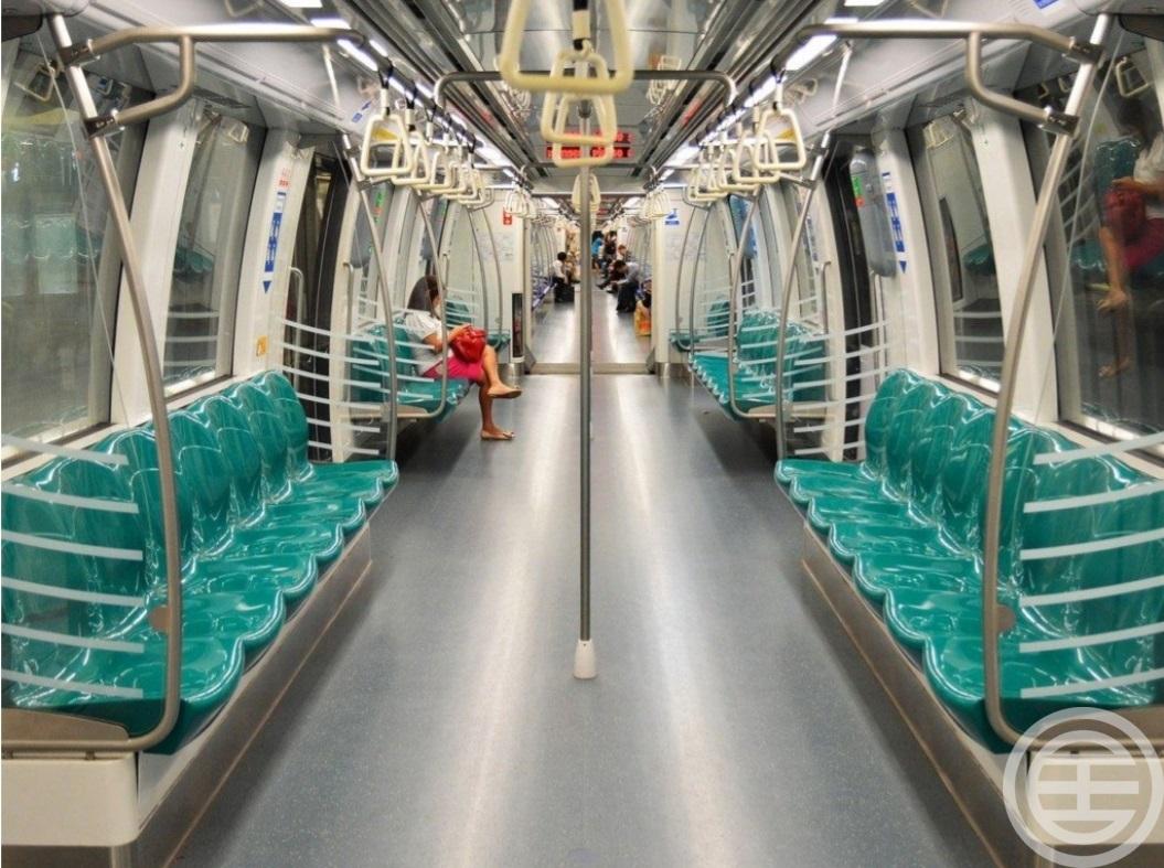 新加坡交通四通八达,发展成熟,来往各区十分方便