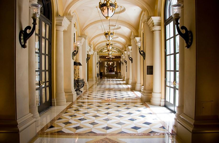 大城市的生活方式让许多人钟情于芝加哥,尤其是配备有五星级酒店的住宅楼。