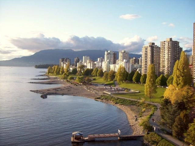 温哥华开征1%房屋空置税,连续上涨多年的房价终于开始掉头向下